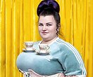«Украинская мамасита»: Alyona Alyona позирует топлес вкосмическом образе