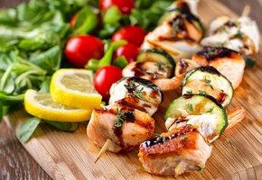 10 рецептов шашлыка из рыбы, морепродуктов и овощей