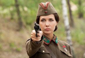 5 мундиров для Климовой, Панкратов-Черный не умеет водить. 10 фактов о сериале «По законам военного времени»