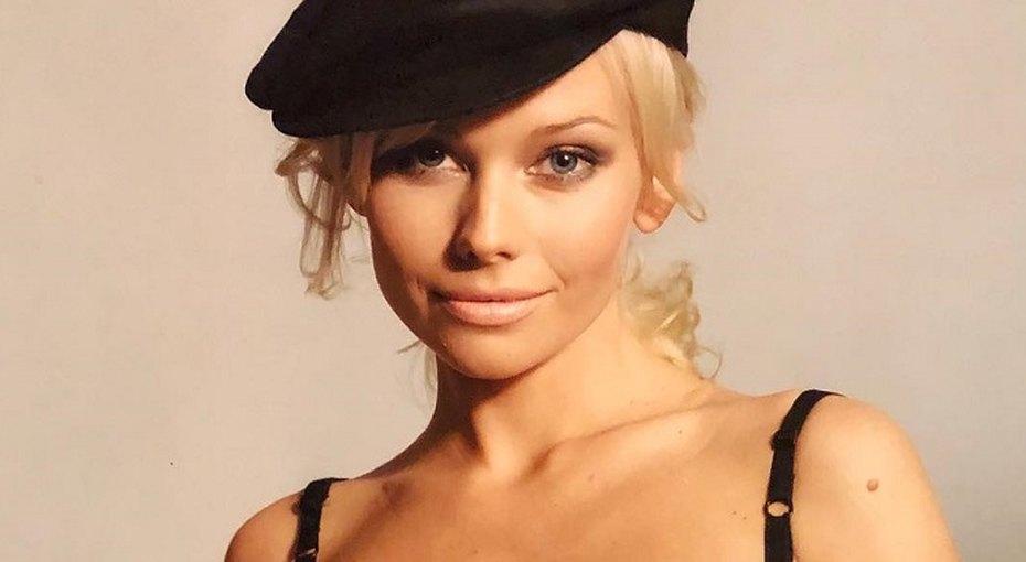 «Шикарная»: 46-летняя Елена Корикова поразила поклонников стройностью играцией