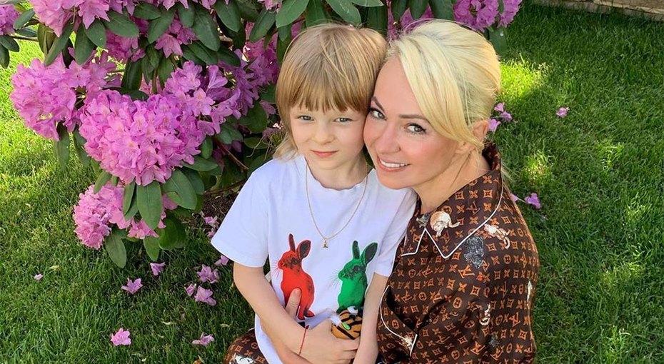 «Бедный ребенок!» Сын Яны Рудковской передразнил подписчиков, осуждающих его воспитание