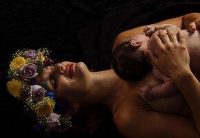 Женщина пережила остановку сердца и очнулась с младенцем на руках