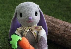 Шьем очаровательного пасхального зайца своими руками