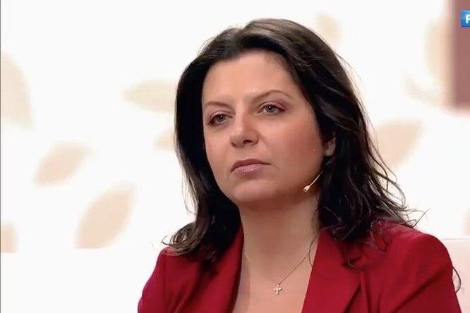 «Смотреть наэто невыносимо»: Маргарита Симоньян выступает против пляжных фото сживотными