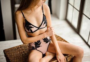 Как вуаль: 10 полупрозрачных лифчиков для небольшой груди