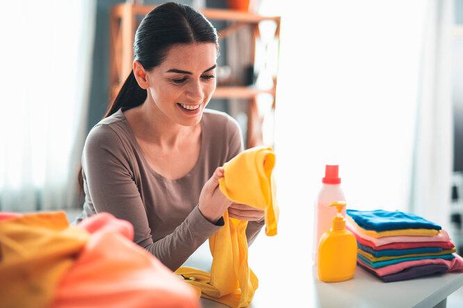 Удаляем пищевые пятна: 8 средств, которые могут помочь