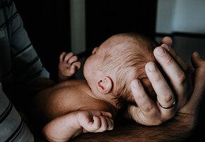 Из-за «знаков свыше» пара в последний момент отказалась от аборта. Их сыну 17