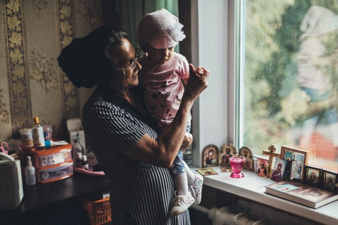 София с бабушкой Фото: Владимир Аверин для ТД