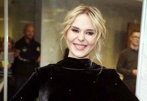 «Вам идет голливудский стиль»: поклонников восхитило новое фото Пелагеи