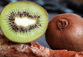 Помогают похудеть и укрепляют иммунитет: 8 полезных свойств киви