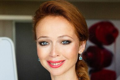 Елена Захарова восхитила поклонников снимком безмакияжа