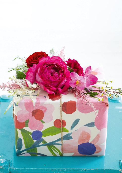 Коробка украшенная цветами
