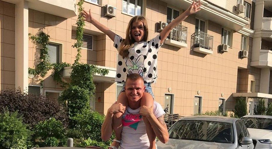 Дмитрий Тарасов подарил 9-летней дочери отпервого брака бриллианты