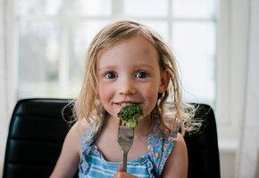 Как поговорить с ребенком о пищевом поведении – советует психолог