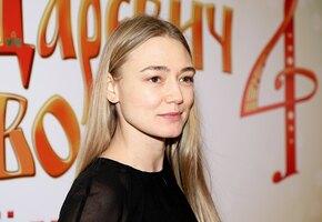 «Волшебная!» Оксана Акиньшина примерила платье-комбинацию