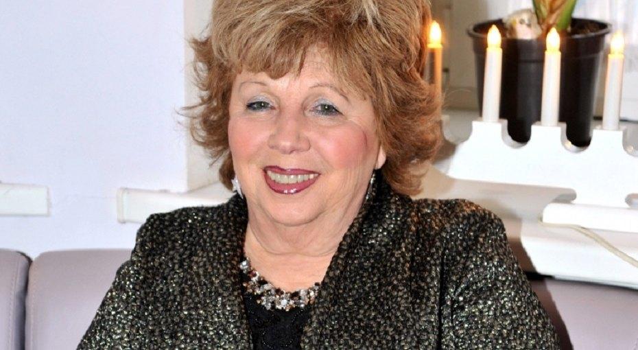 «Крупногабаритное обаяние»: 73-летняя Лариса Рубальская вышла намодный подиум