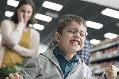 Непрошеные советы. Как недовести доистерики мать, чей ребёнок бьётся вистерике