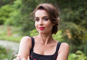 «Красивая женщина в любви». 51-летняя Марина Газманова показала стройные ноги и рассказала о диете
