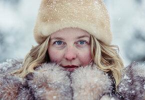 Почему зимой мы выглядим старше и что с этим можно сделать?