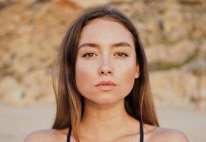 «Не перестаешь удивлять своей красотой»: звезда «Молодежки« Юлия Маргулис позирует в лифчике