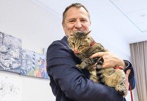 Депутат Заксобрания Свердловской области пришел на заседание с котом