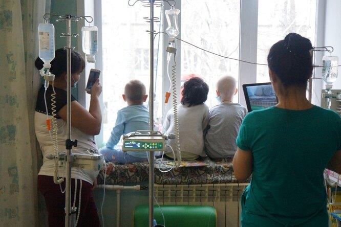 Новосибирские мамы просят помощи всборе наонкологическое лекарство длядетей