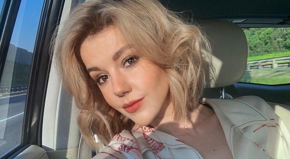 «Вот вам фото скромной девочки, чтобы вы были спокойны»: Юлианна Караулова рассказала оботношении ккомментариям всети