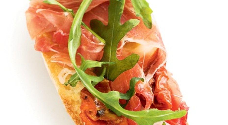 Брускетта: быстрая закуска по‑итальянски