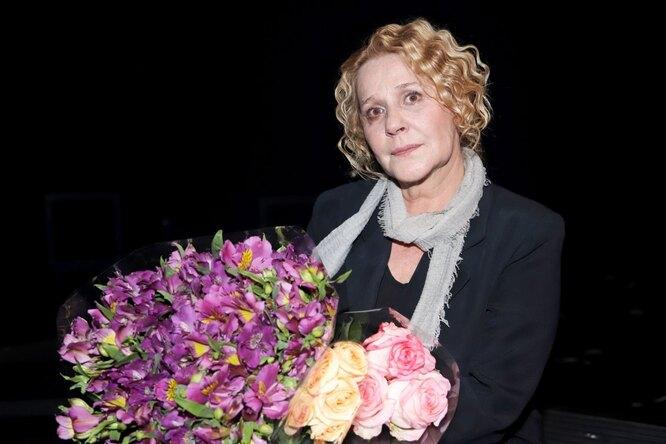 «Месяц лежала лицом встенку»: Анна Каменкова рассказала опотере беременности