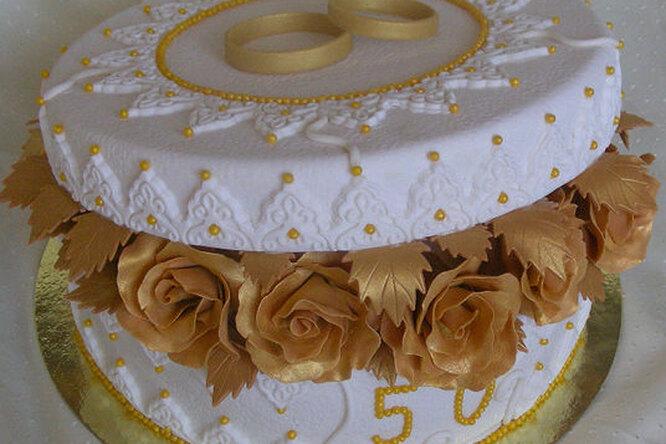 """Торт """"Шкатулка с розами на золотую свадьбу"""""""