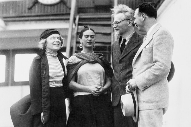 «Вернула молодость иотняла рассудок»: любовь истрасть Троцкого иФриды Кало