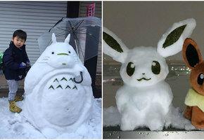 В Токио впервые за 4 года выпал снег. Люди сделали снеговиков - и их стоит увидеть!