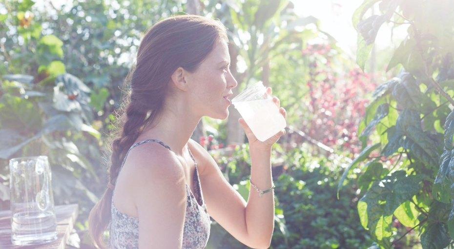 Достаточно ли вы пьете? 6 скрытых признаков того, что ваш организм задыхается отжажды