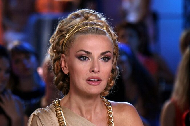 «Неимоверно красивая!» Ольга Сумская кардинально сменила цвет волос иприческу