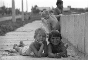 Сделаны в СССР: дети, которые жевали гудрон, прыгали с крыш и грели градусники