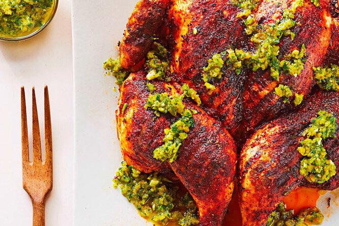 Курица гриль с мятным соусом