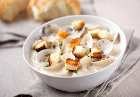 Суп, разделивший Америку пополам: история и рецепт клэм-чаудера