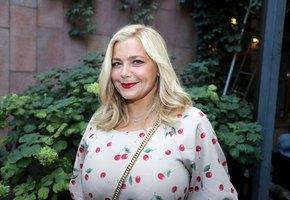 Ирина Пегова помогает собрать деньги для беременной коллеги: ее сыну понадобится операция на сердце