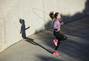 Растяжка от инсульта: как снизить давление с помощью упражнений