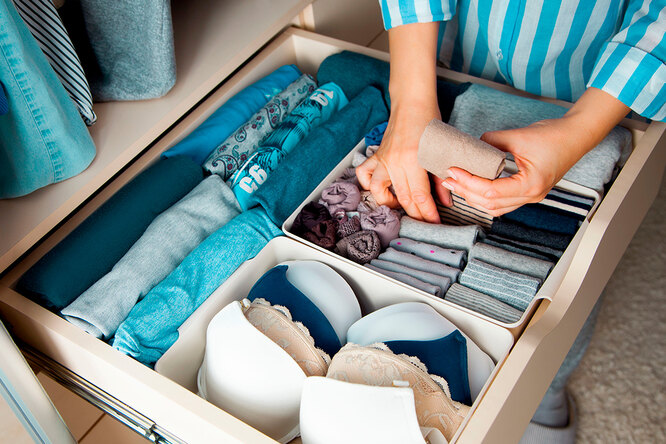 В маленькую спальню: 5 вариантов кровати сместом дляхранения