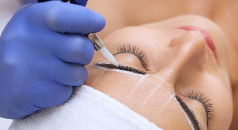Двойные брови ифиолетовые губы  —  можно ли исправить плохой татуаж?