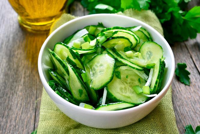 Рецепт салата с огурцом