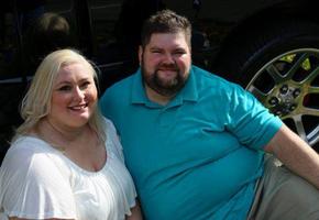 Фотосессия влюбленных закончилась скандалом - фотограф «срезала» лишний вес на снимках