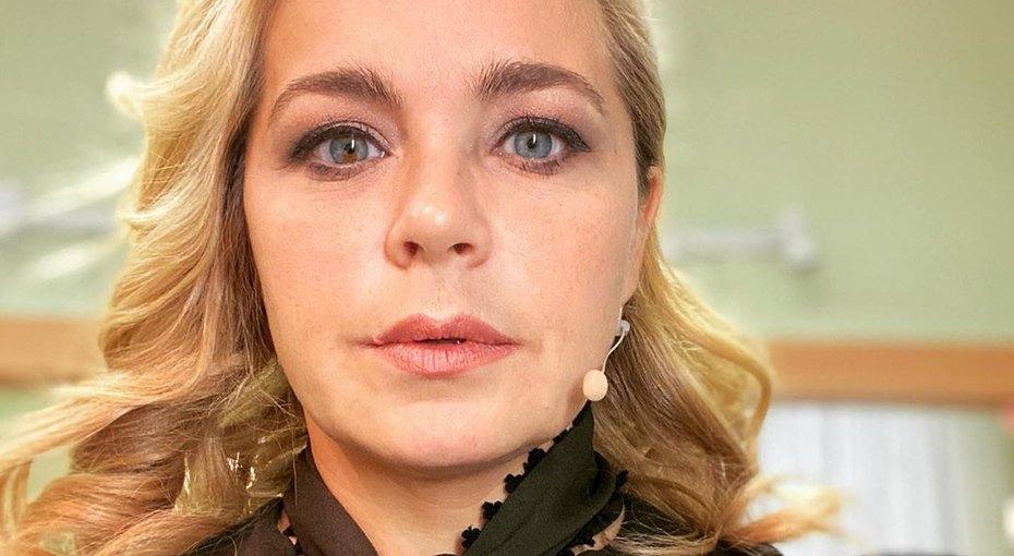 «Просто царевна»: Ирина Пегова выложила фото вплатье сглубоким декольте
