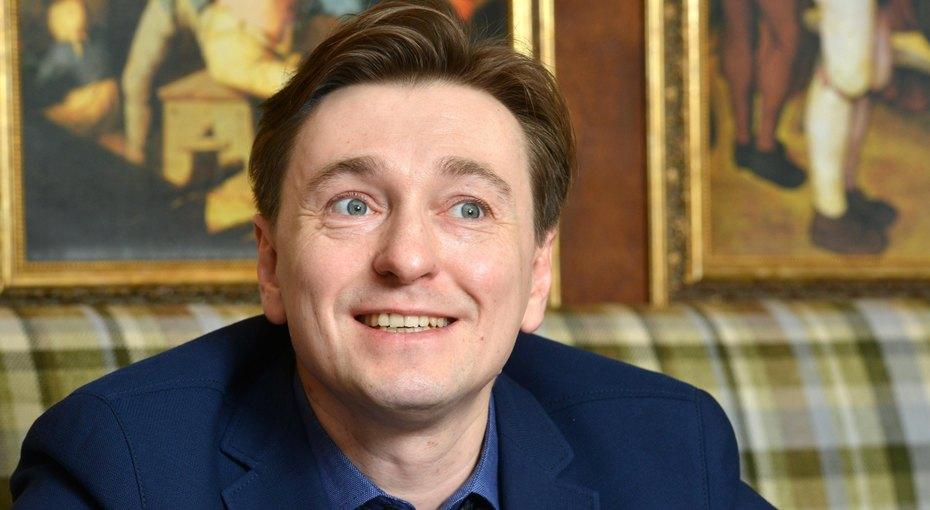 «На побывку изПушгор»: Сергей Безруков ссемьей приехал надачу кродителям