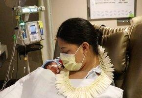 Женщина, не знавшая о беременности, родила в самолете