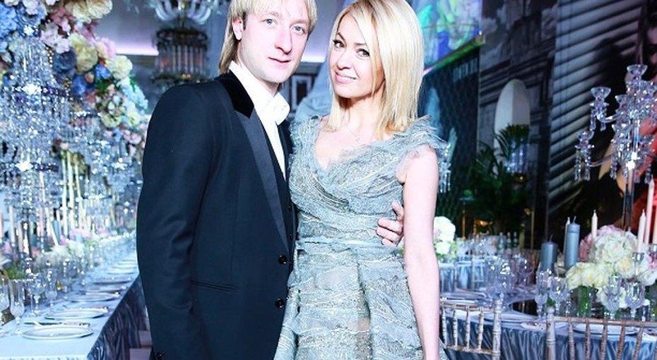 Яна Рудковская сразмахом отметила 41-й день рождения