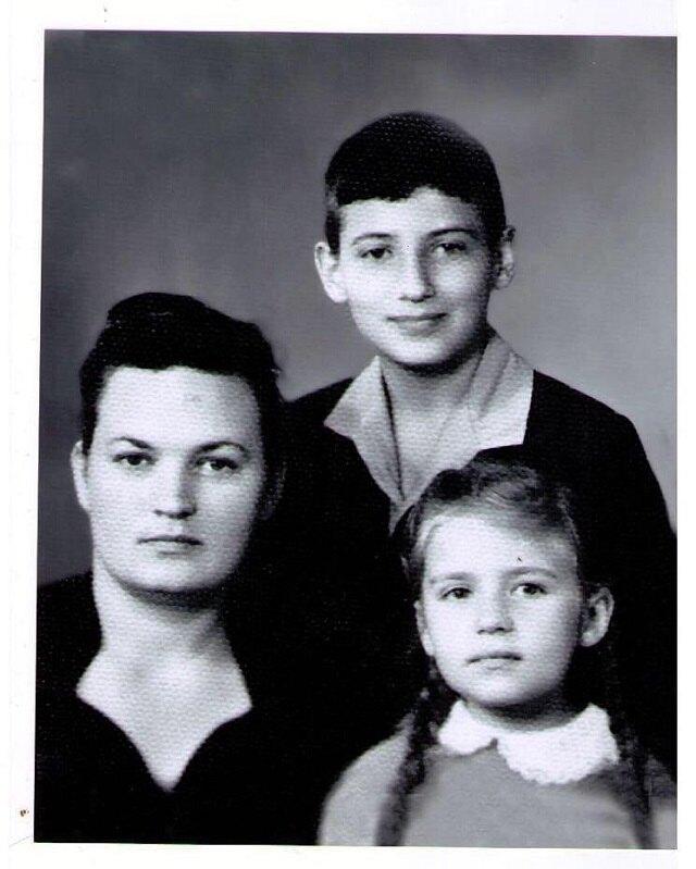 Светлана Семеновна с детьми