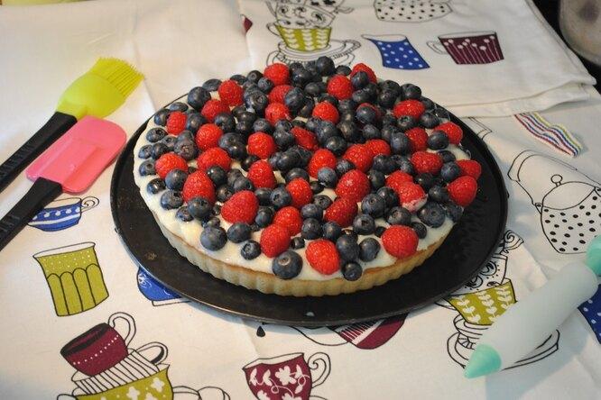 Домашний тарт с ягодами