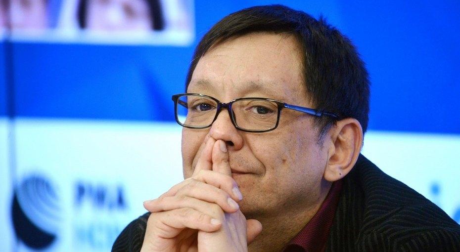 «Первую профессию сынок приобрел»: двухлетний сын Егора Кончаловского работает всаду